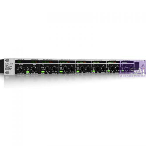 Behringer Ultralink PRO MX882 Rackmount Mixer / Splitter
